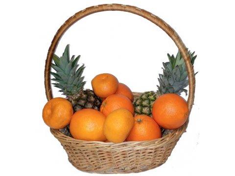 Корзина с ананасами и цитрусовыми №064