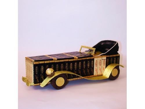 Машинка из конфет №365