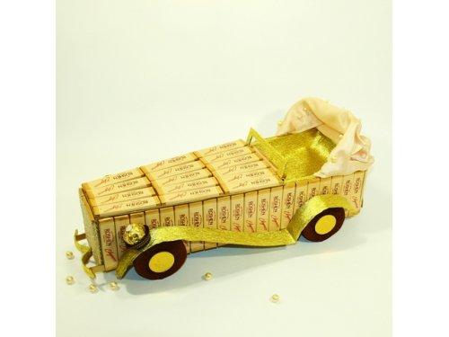 Машина из конфет №366