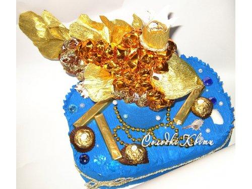Золотая рыбка из конфет №002