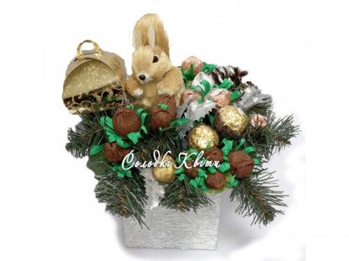 Белка с орешками №016