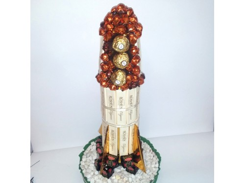 Ракета из конфет №128